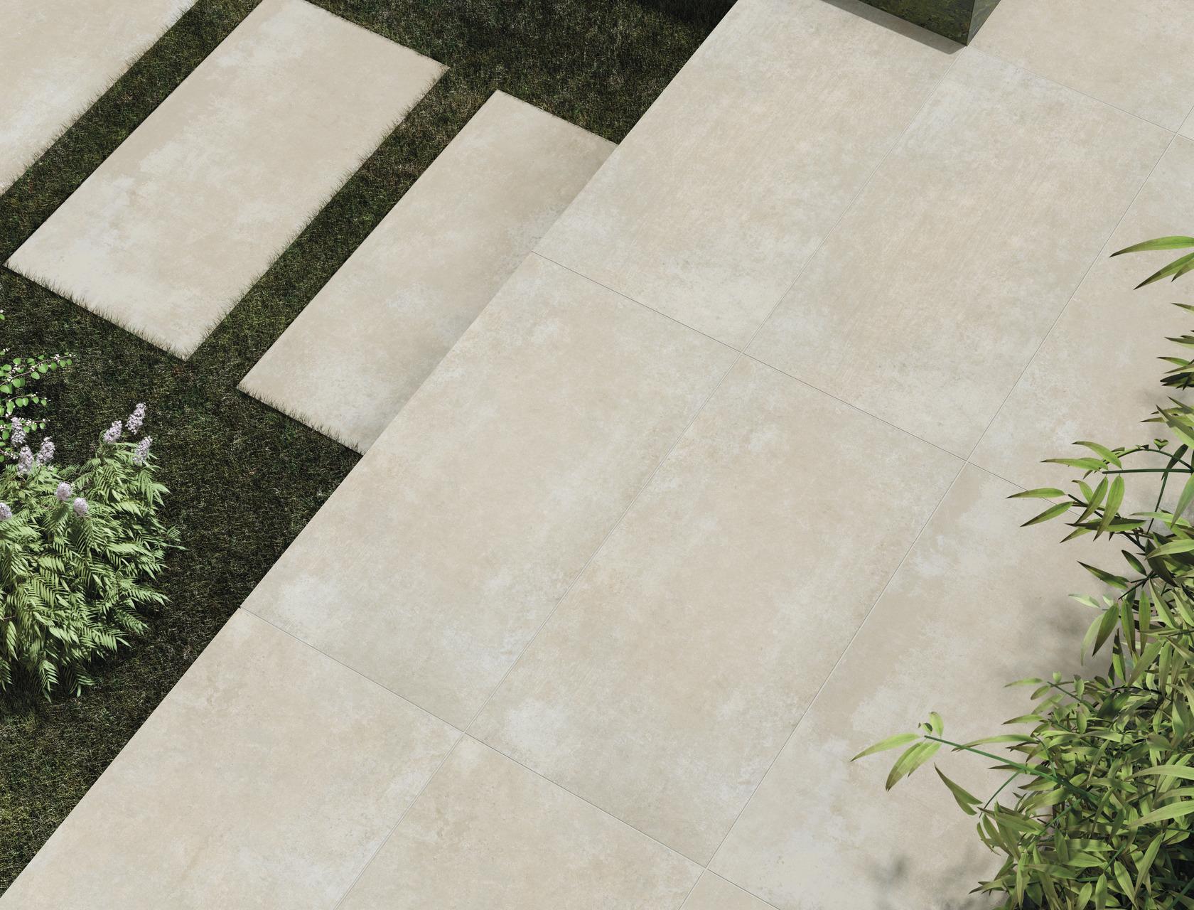 Pavimenti per esterni effetto pietra in gres porcellanato