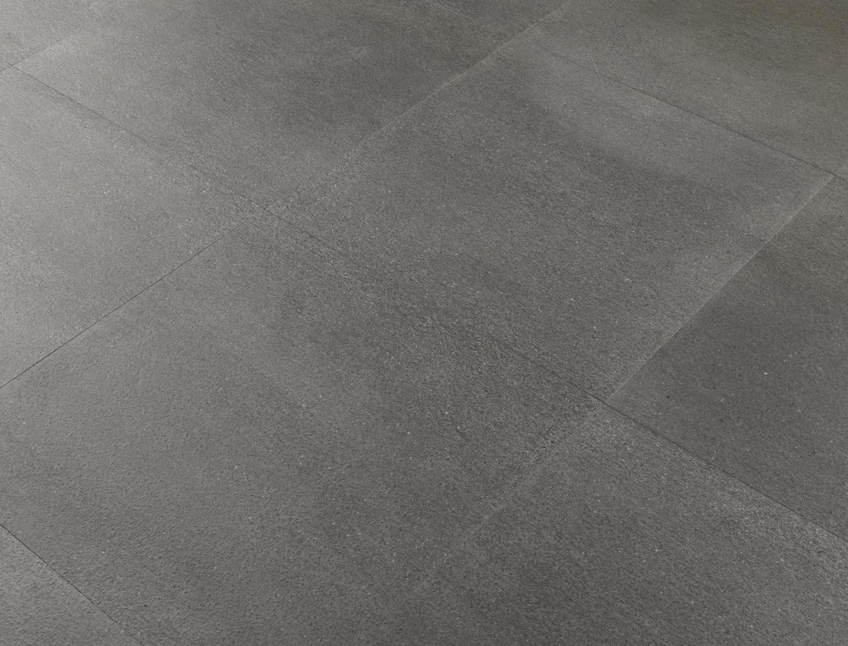 Pavimento per esterni effetto pietra basalto grigio for Pavimento gres effetto pietra
