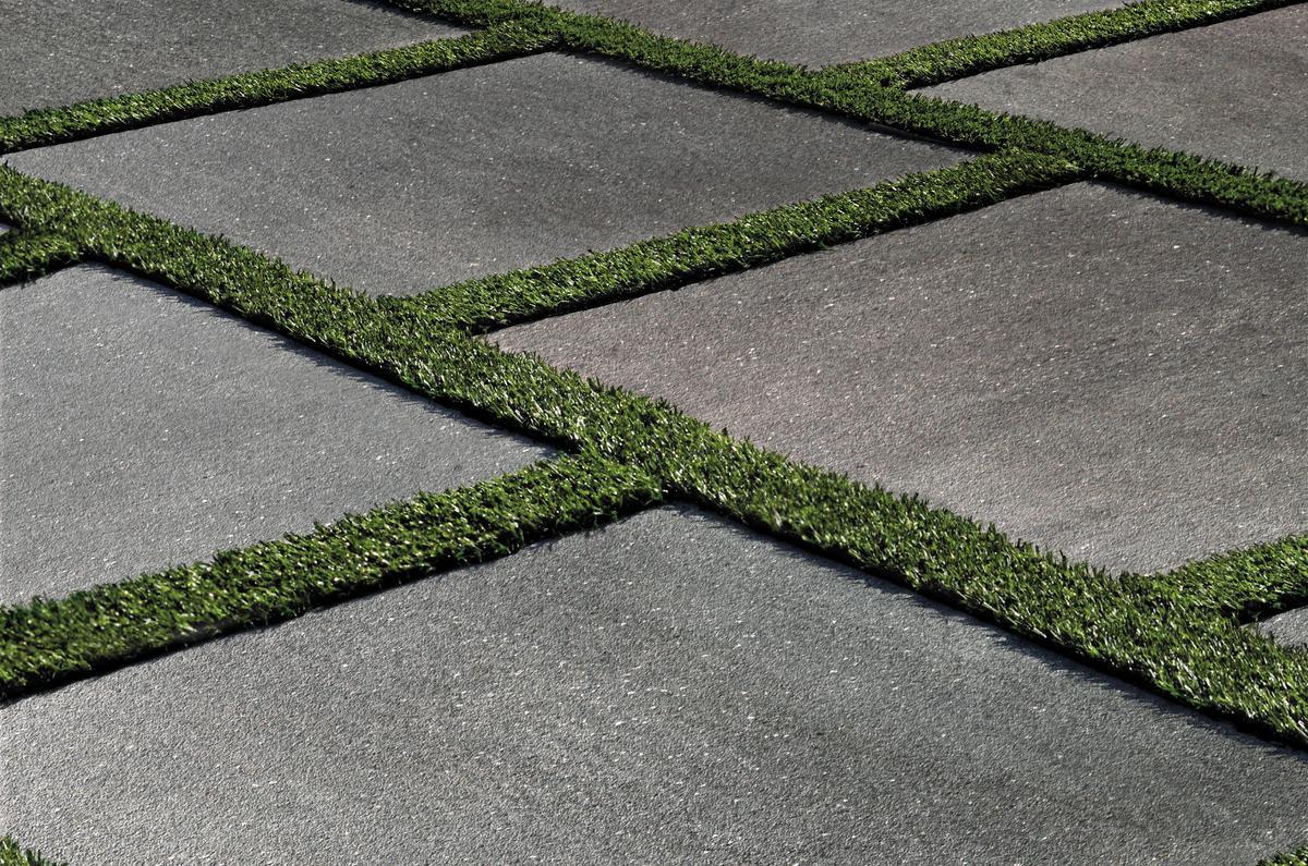 Pavimento per esterni effetto pietra basalto grigio