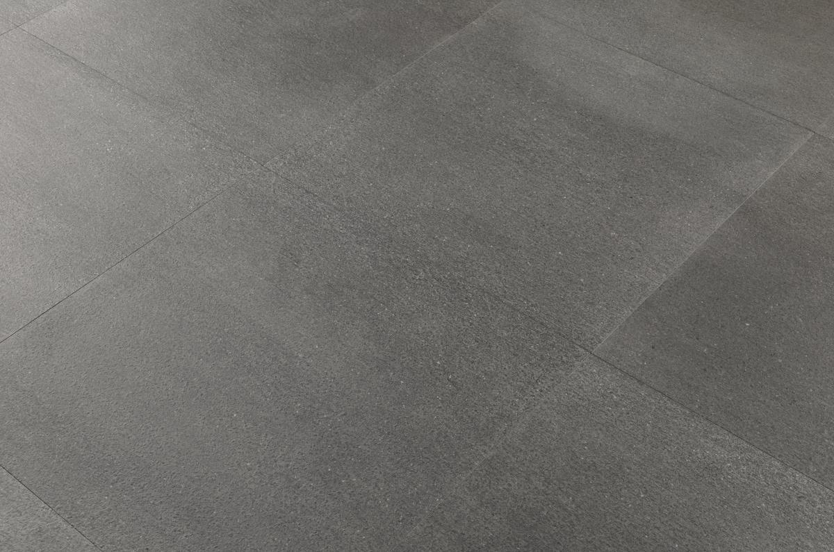 Pavimento Esterno Grigio : Pavimento per esterni effetto pietra basalto grigio