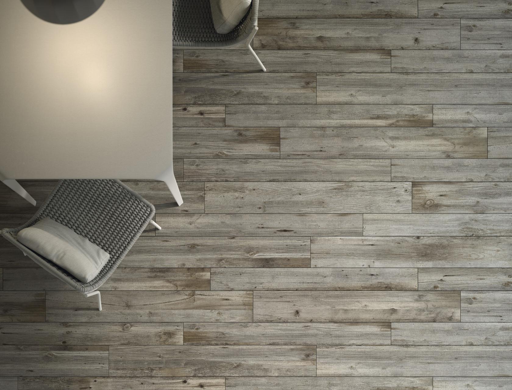 Quercia petraea piastrelle in grandi formati effetto legno for Gres porcellanato effetto legno grigio