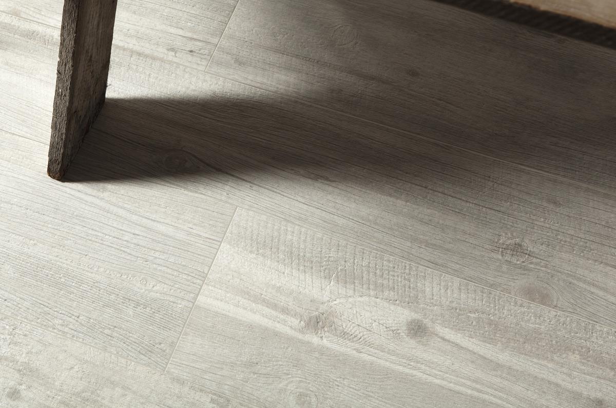 Pavimenti Effetto Legno Bianco : Quercia shabby piastrelle in grandi formati effetto legno