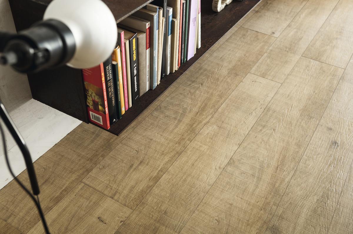 gres effetto parquet chiaro per interni esterni rovere briccola. Black Bedroom Furniture Sets. Home Design Ideas