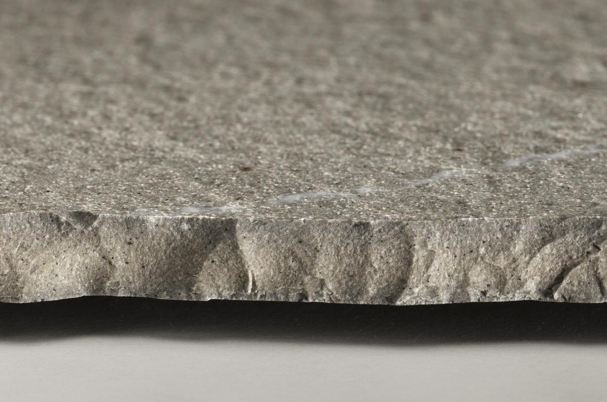 Pietra Piasentina | pavimento grigio effetto pietra