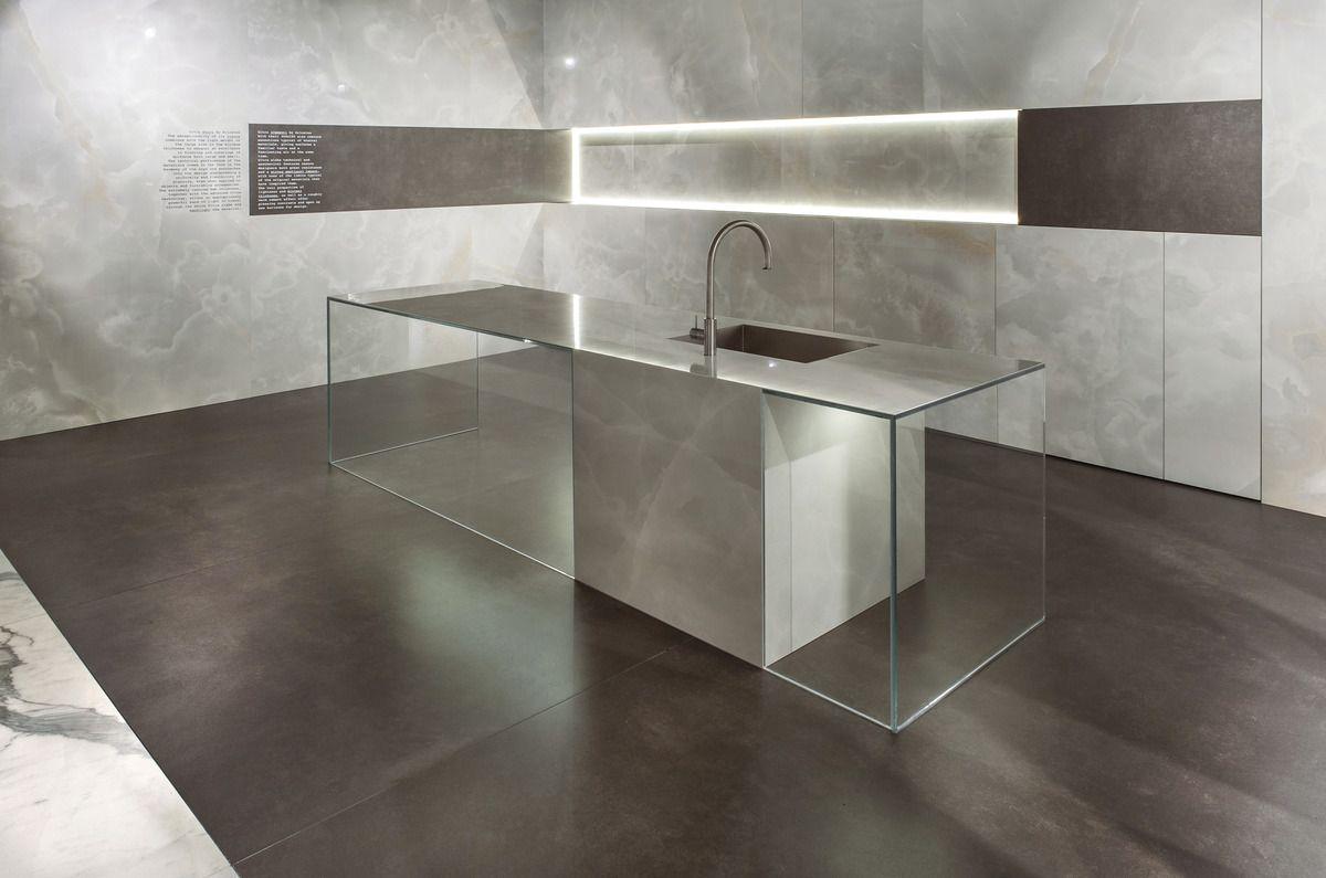 Onice grigio ultra onici grandi lastre effetto marmo grigio for Pavimenti grigi