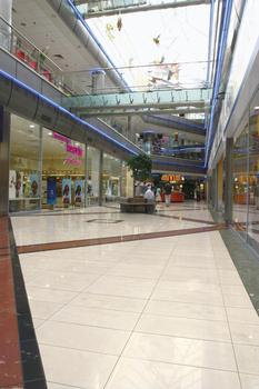 Duna Plaza Shopping Center