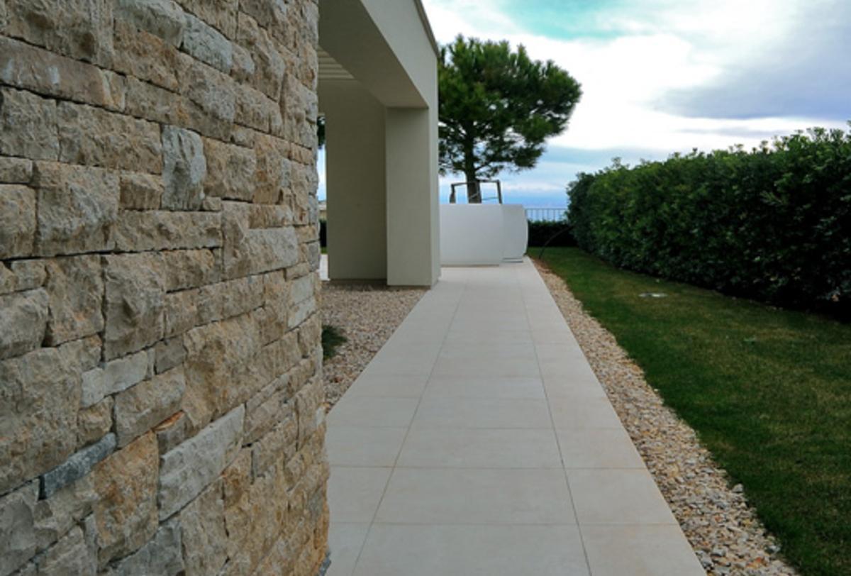 Kempinski hotel adriatic hotel spa wellness ariostea for Piastrelle 200x100