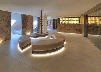 Pavimenti e rivestimenti per hotel ariostea