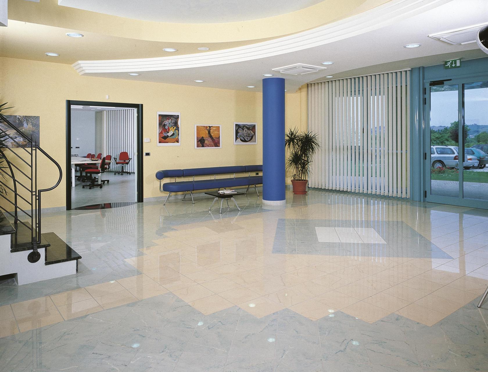 Pedini cucine headquarters negozi e showroom ariostea for Negozi cucine milano